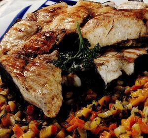 Peşte cu legume în sos dulce-acrişor