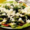 Salată cu ierburi si urdă sărata