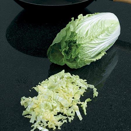 Salată de paste cu varză