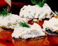 Ciuperci umplute cu urdă