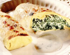 Clătite cu ricotta şi sos bechamel cu gorgonzola