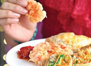 Creveţi crocanţi cu maioneză de wasabi şi sos dulce de chili