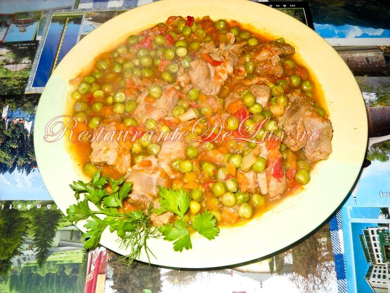 Reteta zilei: Mancare de mazare cu carne de porc si praz