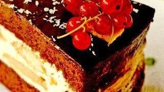 Tort_de_ciocolata_cu_crema_de_lapte