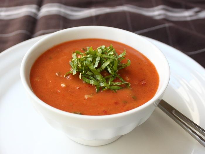 Cum se prepara Gazpacho cu rosii proaspete (video)