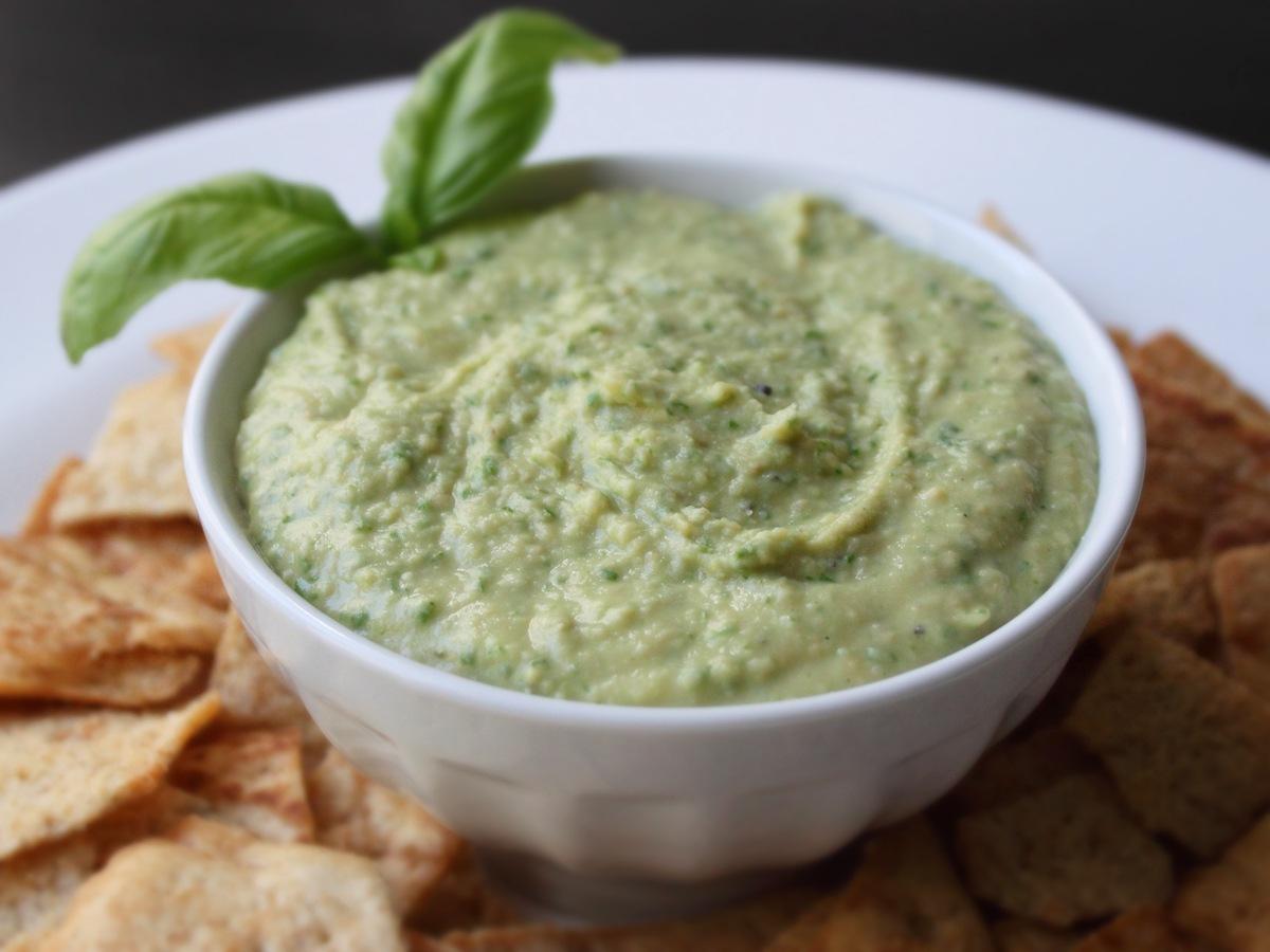 Cum se prepara Hummus (video)