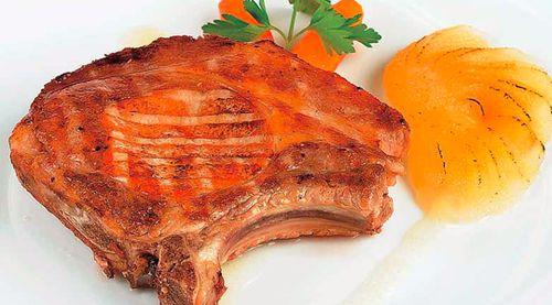 Cotlet de porc cu pere si otet