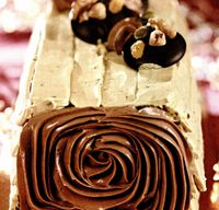 Ruladă cu cremă de ciocolată si fistic