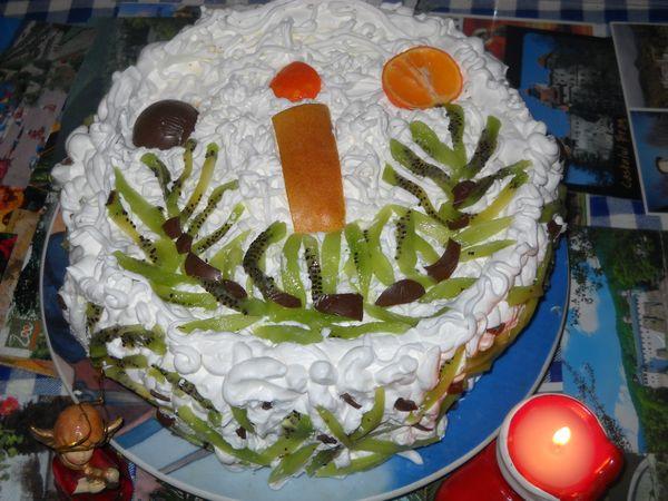 Reteta zilei: Tort cu dulceata de gutui si frisca