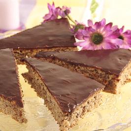 Prăjitură cu mac şi glazură de ciocolată