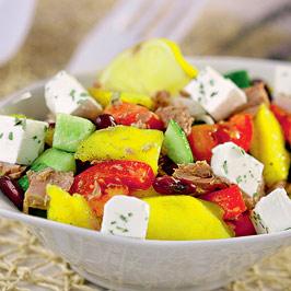 Salată de mango cu ton