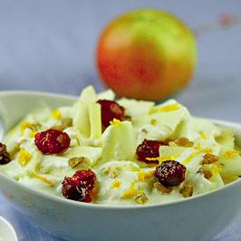 Salată de mere cu iaurt