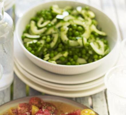 Salată de castraveţi şi mazăre