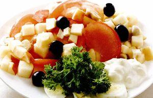 Salata Siciliana cu mere si ciuperci marinate
