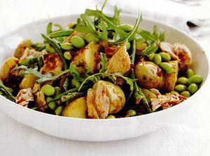 Salată de cartofi si ton