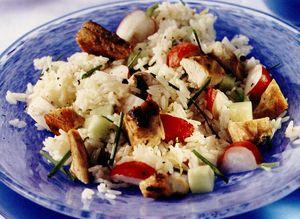 Salata de pui cu orez si maioneza