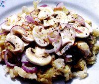Salata de varza acra cu ciuperci