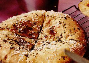 Blat de pizza cu ardei iute sau rozmarin