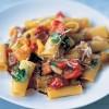 Paste_cu_ardei_gras_şi_brânză_parmezan