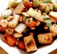 Salată caldă cu sos dulce-acrisor