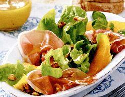 Salată cu şuncă si dressing de muştar
