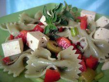 Retete de post: Salata de paste cu tofu