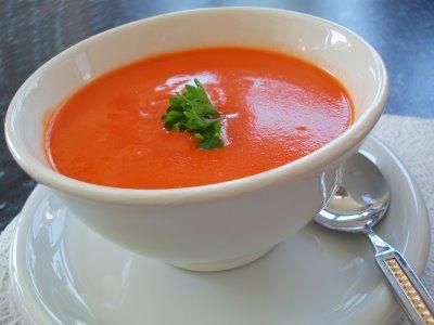 Supa rece de tomate si busuioc