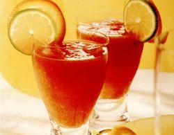 Cocktail nealcoolic cu roşii si citrice