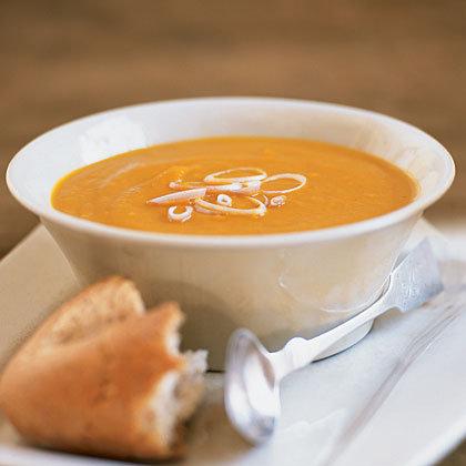 Supă-cremă de morcovi şi ghimbir