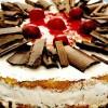 Tort_de_înghetata_cu_visine_si_ciocolata