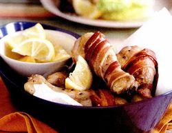 Ciocănele de pui învelite în bacon