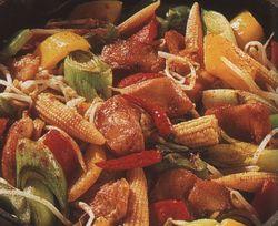 Mancare de pui cu legume