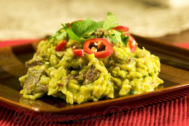 Reteta zilei: Risotto cu carne de vita si sos de avocado si mango