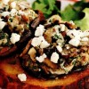 Ciuperci_umplute_servite_pe_pâine_prajita
