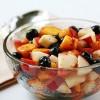 Salată_cu_afine_piersici_şi_cimbru