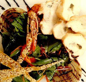 Salata spaniola cu pui, umplut cu creveti