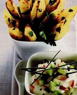 Cartofi wedges cu ridichi si castraveti in sos alb