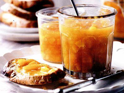 Dulceaţă de caise cu aromă de portocale