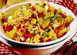 Salată picantă cu paste