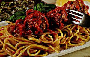 Chiftelute marinate cu spaghete