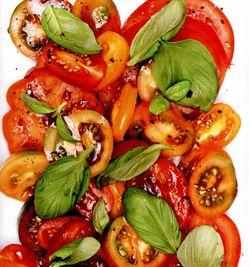 Salată de roşii curcubeu