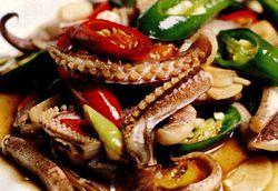 Caracatiţă cu ardei şi sos de soia