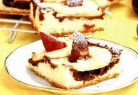 Prăjitură cu mere şi prune