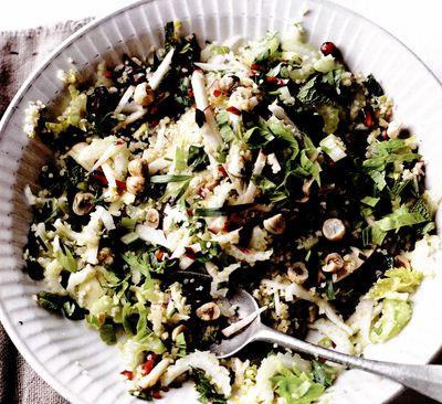 Salată de bulgur cu ţelină şi ierburi