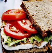 Sandviş cu ton