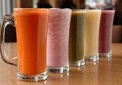 Copiii români beau sucuri de fructe… fără fructe!