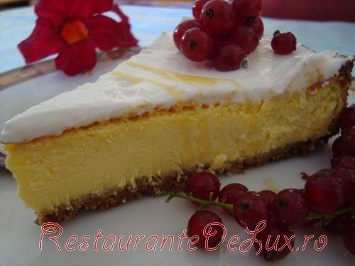 Cheesecake cu lime si sos de merisoare