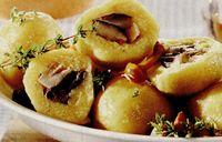 Cartofi umpluti cu ciuperci si smantana