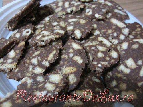 Salam_de_biscuiti_cu_ciocolata_09