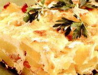 Cartofi gratianti cu ceapa si verdeata